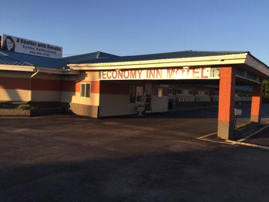 Marshalltown, IA: Economy Inn