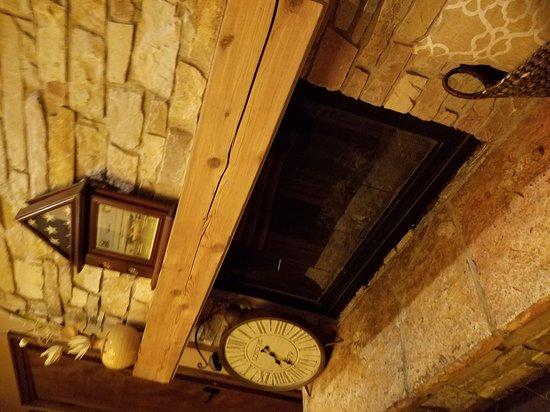 Tuscan Tavern & Grill: 20170703_193118_large.jpg