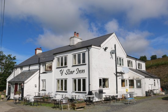 Llanbrynmair, UK: This is the Star Inn and accomodation