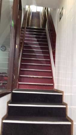 Hotel Ben: just the first set of stairs!!