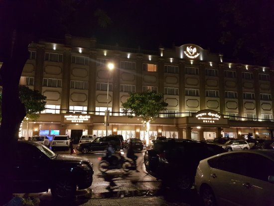 Hotel Le President: 20170704_192923_large.jpg