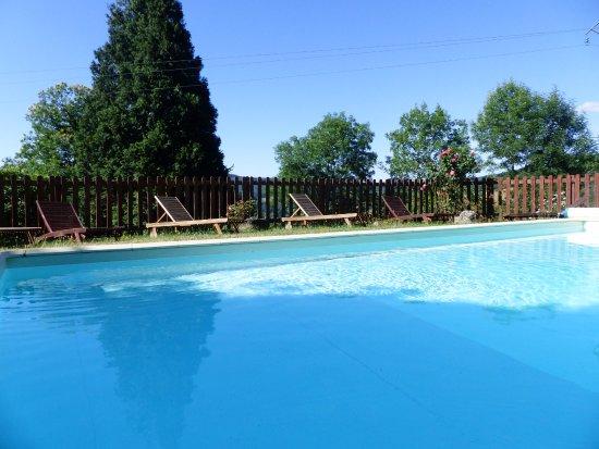 Maison d 39 hotes de la verriere les ardillats frankrijk for Temperature piscine