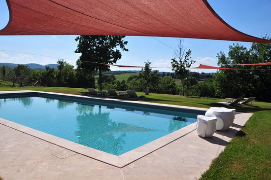‪‪Siena House‬: Shade sails over a 100 M2 salt water pool ‬