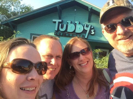 ‪‪Tubby's Ice House‬: Our little group at Tubby's‬