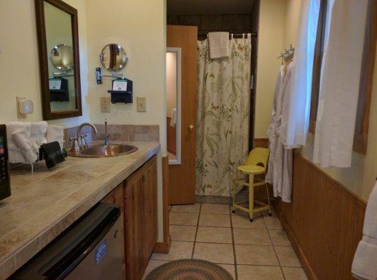 The Inn & Spa at Cedar Falls: IMG_20170628_170245_large.jpg