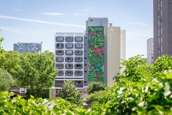 Hotel des Congres Photo