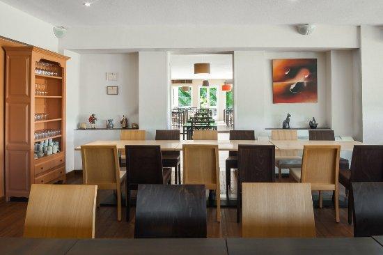 Pouzilhac, France: Restaurant de 70 places avec climatisation