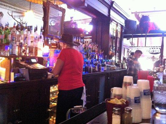 Buffalo, Вайоминг: The Bar