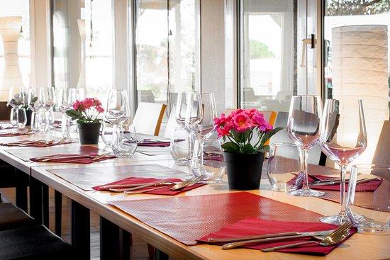 Pouzilhac, France: Table de la Closeraie
