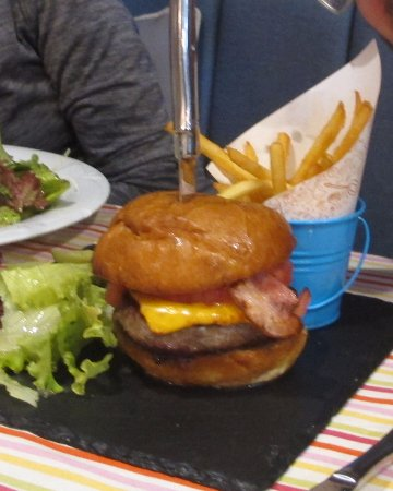 Bistro Europe : A huge hamburger, and we were not in Whopper land