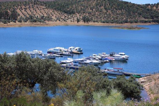 """Portel, Portugal: Vista do restaurante para o """"Lago"""""""