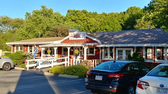 Rowley, MA: Big bold BBQ in quaint New England! What a gem!