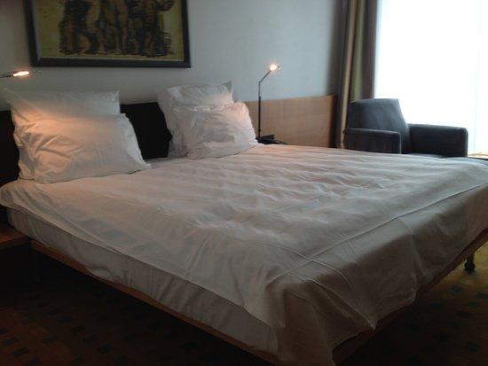 Swissotel Berlin: the bed