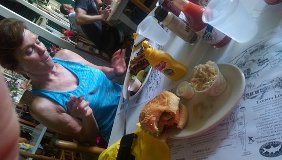 Pineland, FL: Cheese burger in paradise