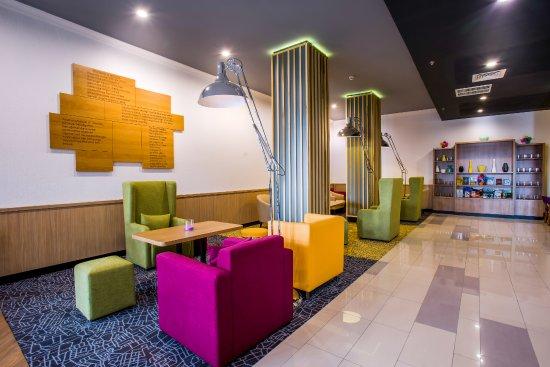 Live-Inn Lobby bar