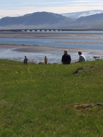 Borgarnes, Iceland: Children playing in the grass at Café Brák