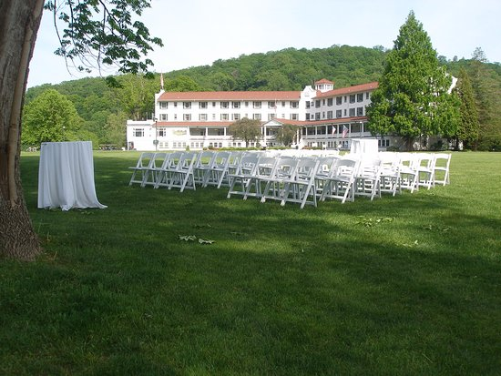 Shawnee on Delaware, Πενσυλβάνια: Lovely setting for the outdoor wedding of our niece!