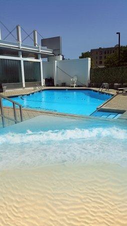Radisson Hotel New Rochelle: image_large.jpg