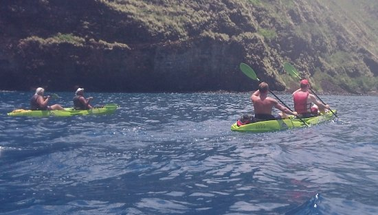 Honalo, Havai: Paddling back through the bay