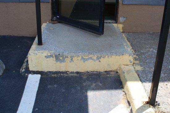 """Greeneville, TN: 12"""" tall step"""