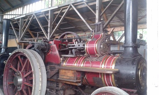 Stowmarket, UK: One of the local built traction engines