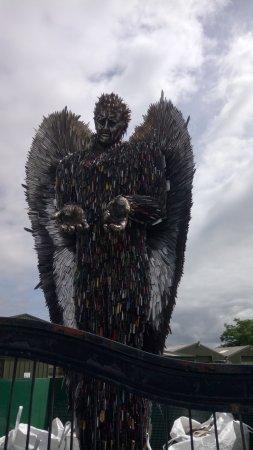 Oswestry, UK: Angel made knives