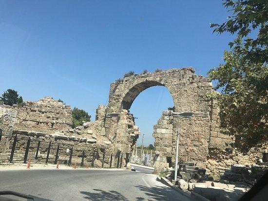 Monumental Fountain (Nymphaeum) - Side - Monumental ...