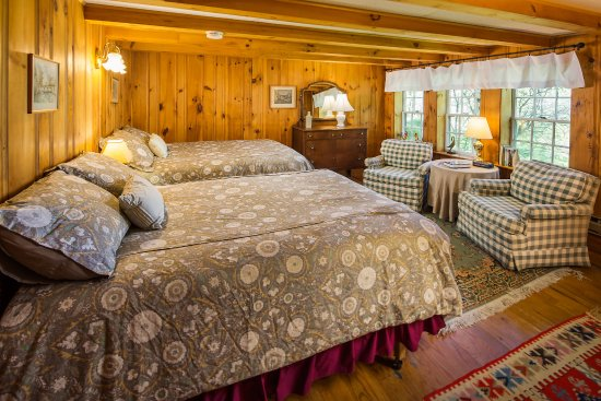 Eaton, NH: First floor room with two double beds in the Carriage House.