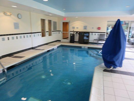 Fairfield Inn Suites Kennett Square Brandywine Valley Very Close To Longwood Gardens Room Decor