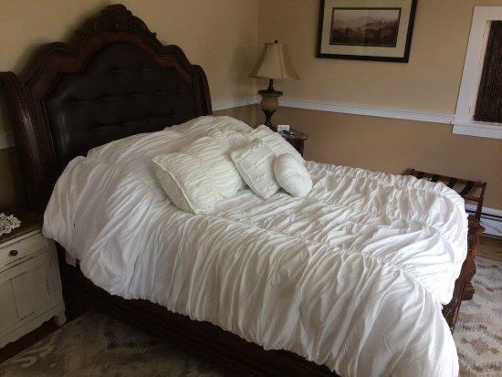 Skaneateles, Estado de Nueva York: The Mary Room with queen size bed & tempur-pedic remote controlled mattress