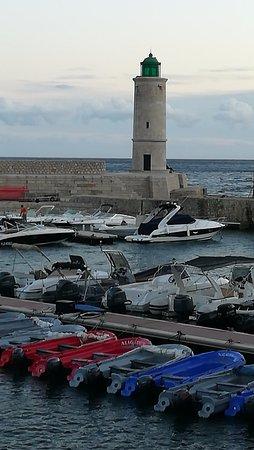 Hotel Le Golfe: Vistas al puerto desde la habitacion del hotel