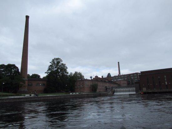 Finlaysonin Tehdasalue: Powerplant and Weir
