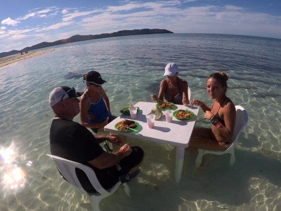 Bay Islands Adventures : 5 star lunch