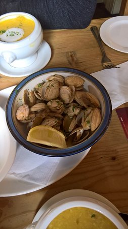 Kilcolgan, Ierland: Steamed Clams and the Chowder
