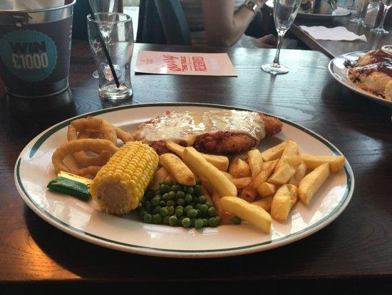 Tunstall, UK: Big plate chicken