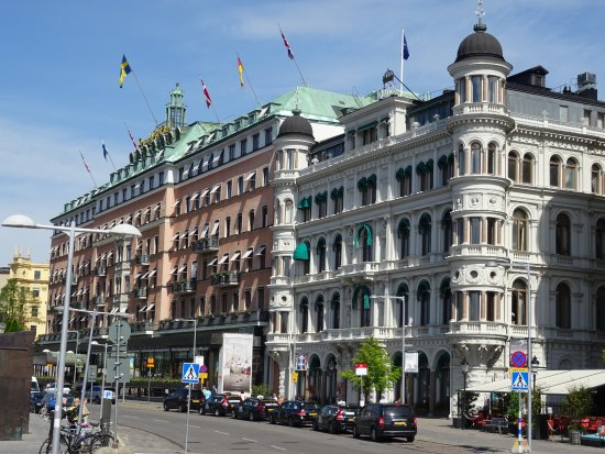 Grand Hotel - Terrassen cafe in lower right