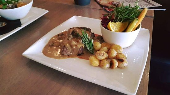 Oostburg, The Netherlands: Restaurant De Smickelaer