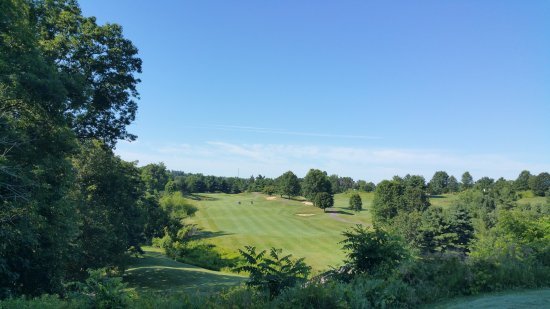 Zanesville, OH: Elevated tee box