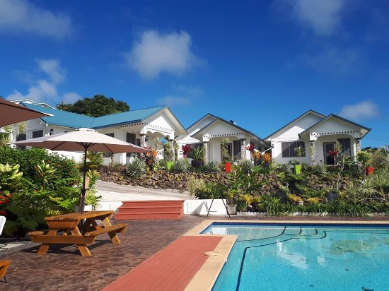 Skyview Villas: view  of the villa and swimming pool