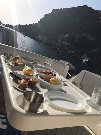 Alex Private Boat Rental: Dinnernomnomnom