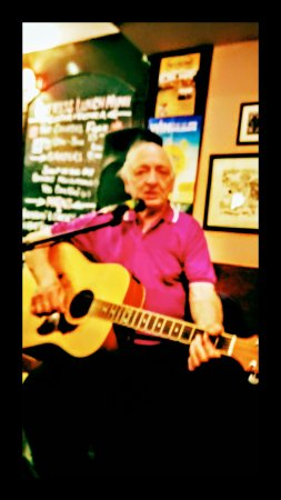 The Clutha Bar: Fantastic night, live mic night, it's a must on your wish list
