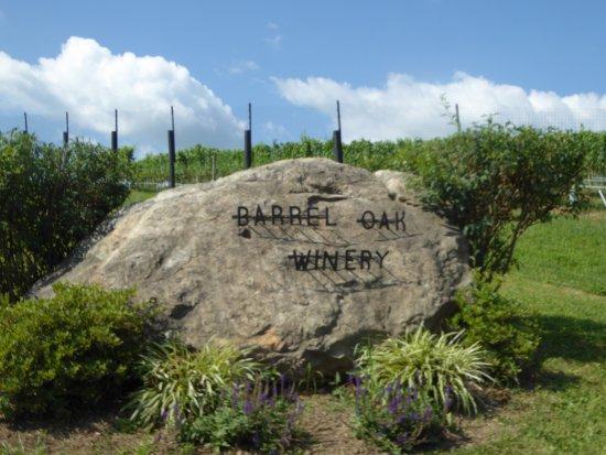 Barrel Oak Winery: Sign