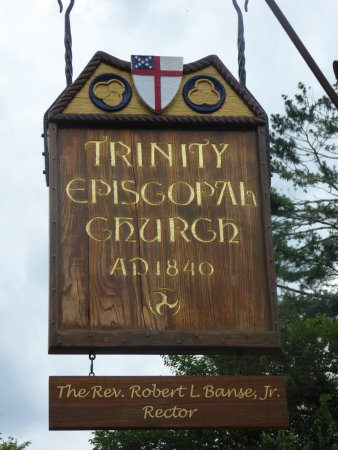 Upperville, VA: Sign