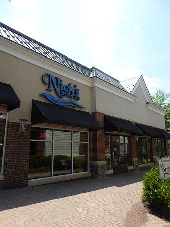 Nick's Taverna: Exterior