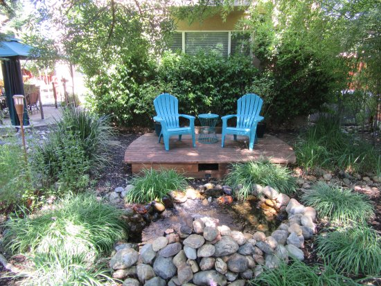 Apples River House Bed Breakfast Redding