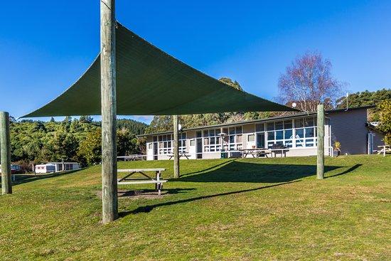 Turangi, Nowa Zelandia: Camp Kitchen & Recreation Room
