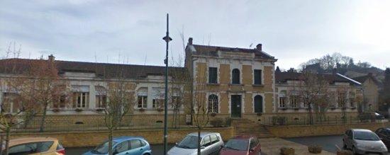 Couze et Saint Front Town Hall
