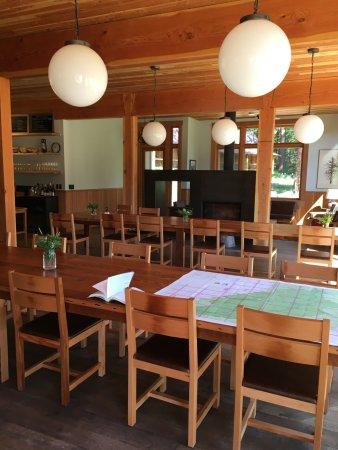 Wallowa, Oregón: family style dining
