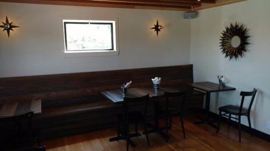 Freeland, WA: Seating area and cute decor
