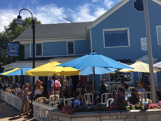 Egg Harbor, Wisconsin: Shipwrecked Microbrewery